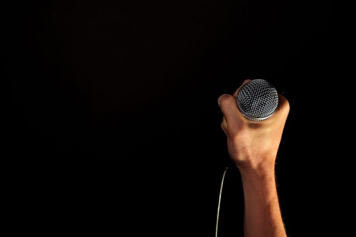 who is the best singer in the world right now